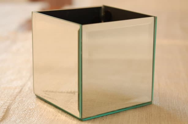 Round mirror side table - Easy Diy Mirrored Planter The Art Of Doing Stuff