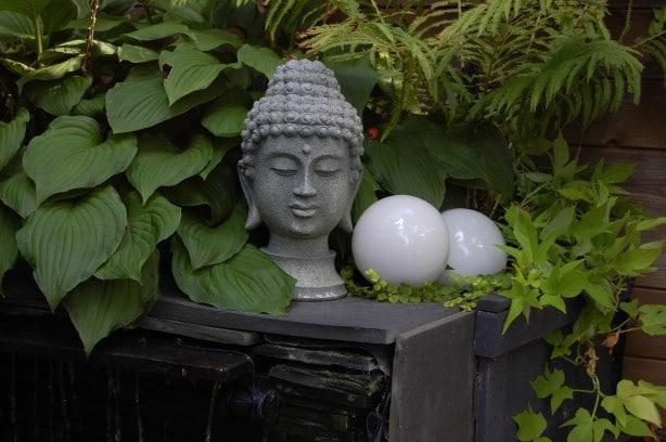 Acentuar su jardín con el arte, además de un acento jardín haciendo how-to | Jardinería con Confianza, Plantas con Beneficios, & amp; Buena Berry Bad Berry con Helen Yoest