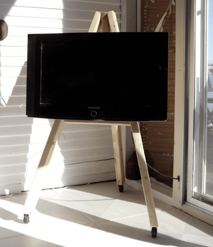 700_diy-tv-easel-photo.jpg copy