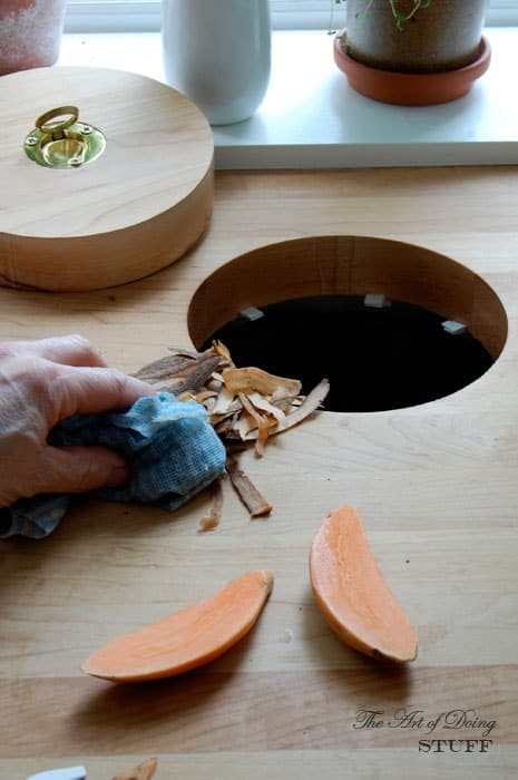 Countertop-Waste-hole-3