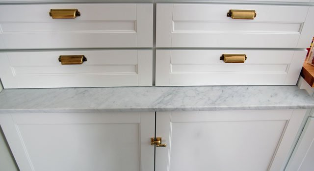customizing-martha-stewart-cabinet