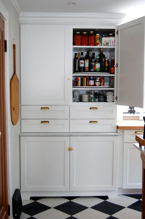 martha-steart-cabinets-pantry-2