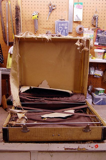 Vintage Luggage Makeover. | The Art of Doing StuffThe Art of Doing ...