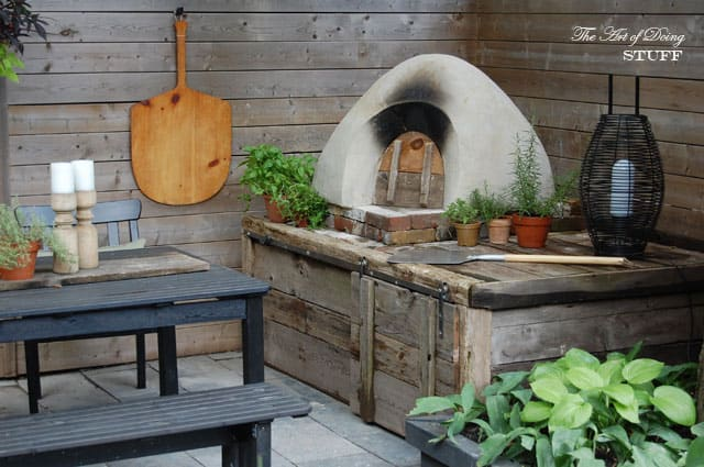 How to use a pizza oven cooking pizza in your cob oven for How to make a cob oven