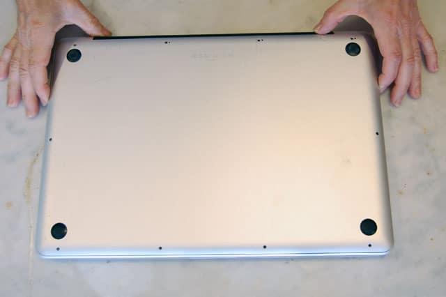 replacing-macbook-pro-battery-19