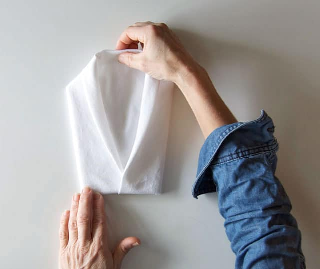 How to fold dinner napkins napkin folding guide.