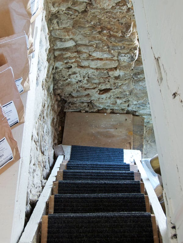 basement-stairs-10