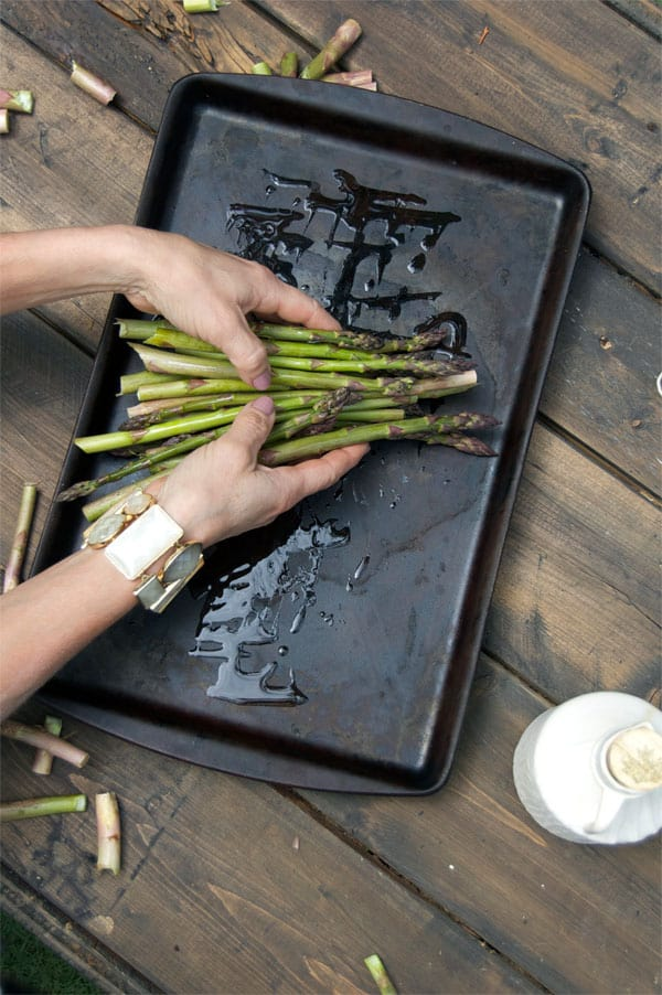 olive-oil-on-asparagus