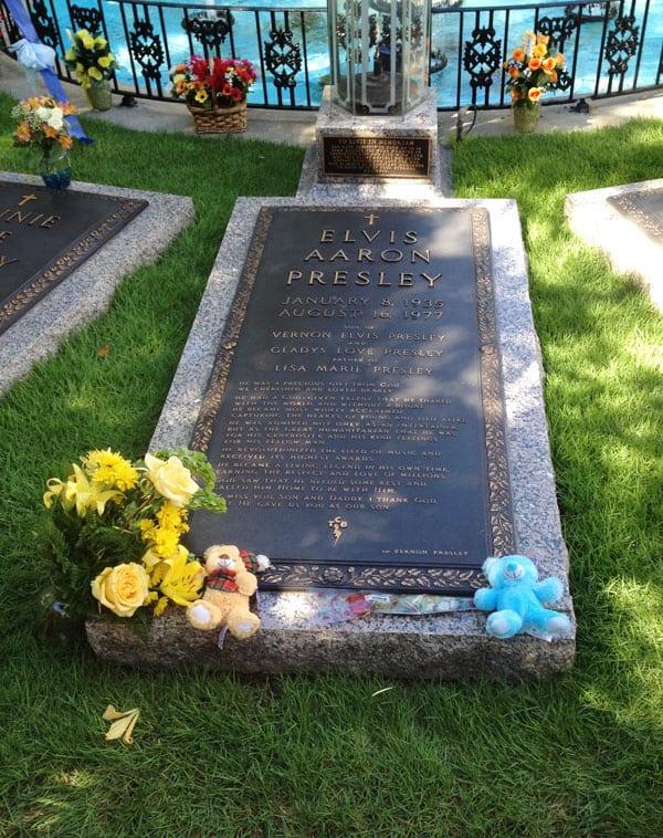 Elvis's-grave