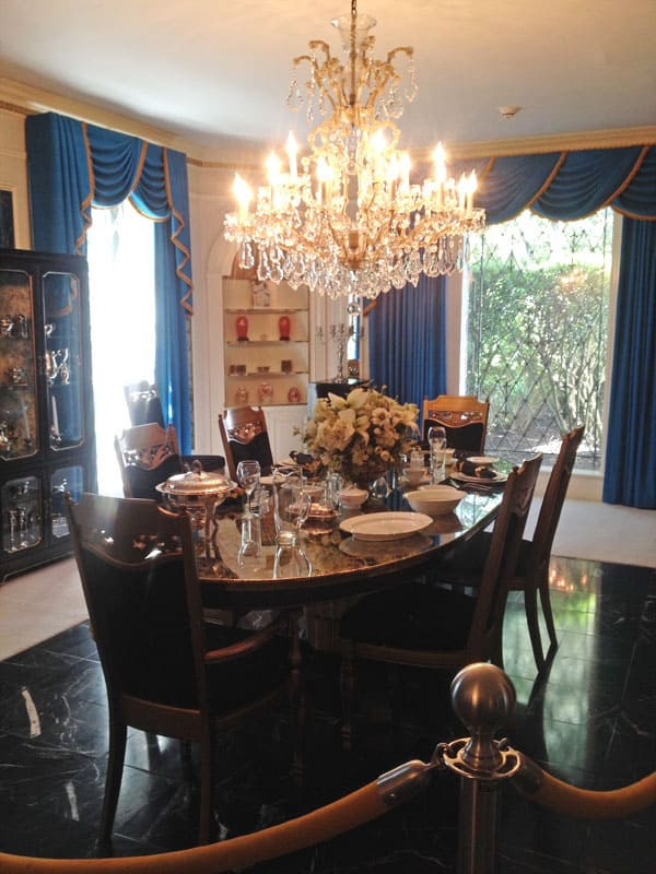 Graceland-dining-room