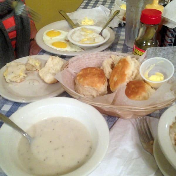 beige-breakfast