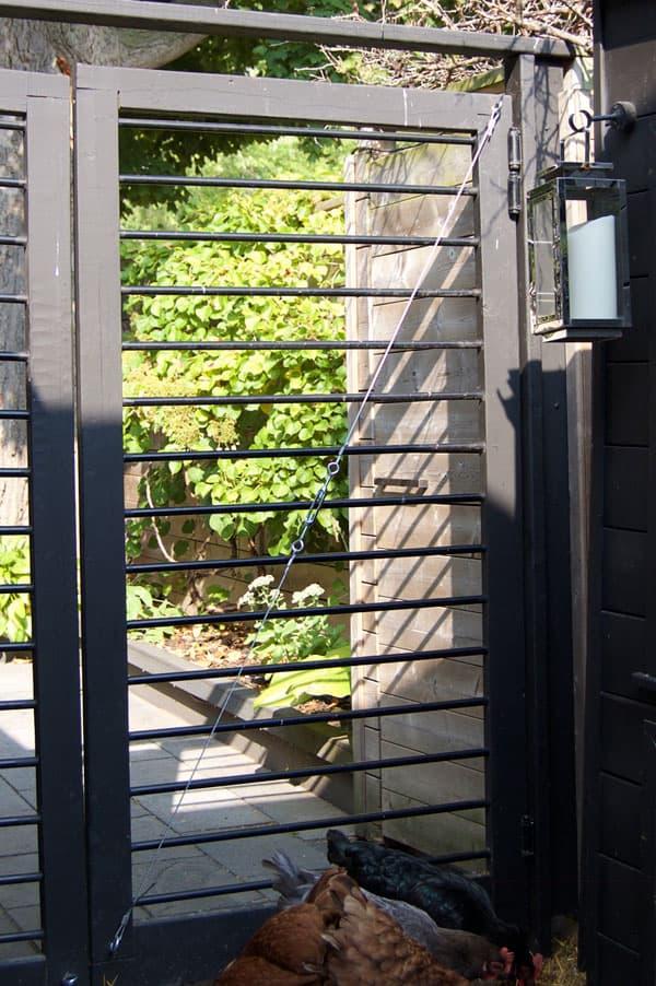 gate-bracing