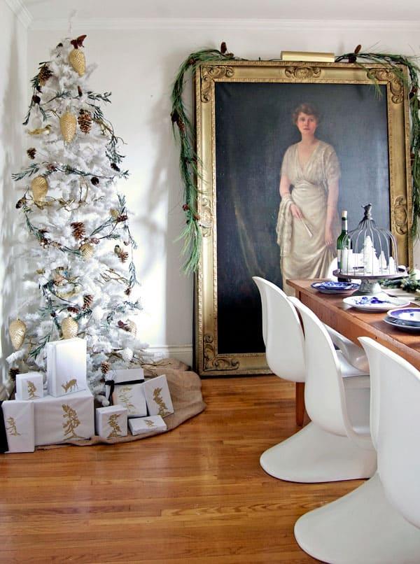 presents-around-tree