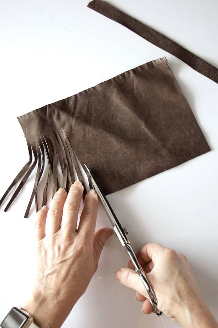 cutting-tassel