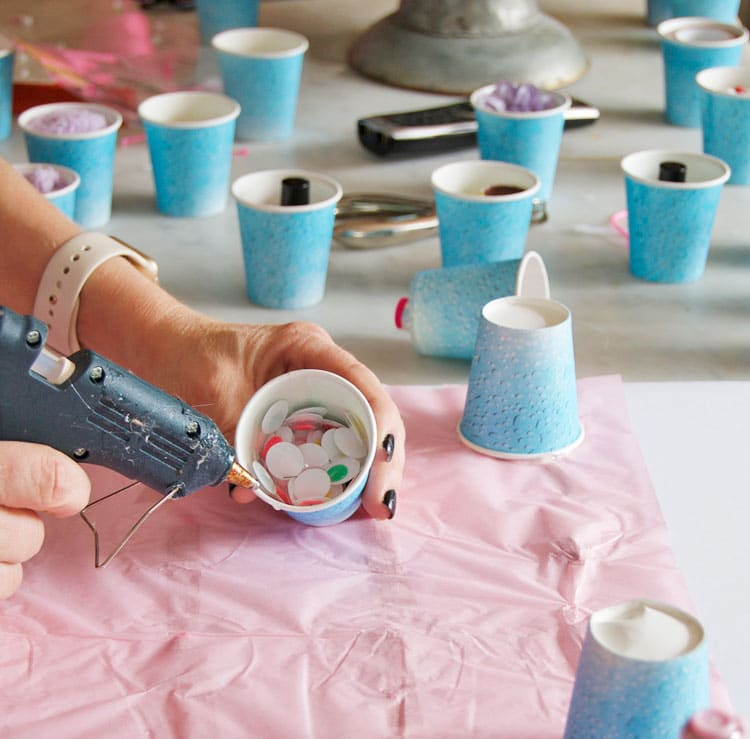 DIY-birthday-advent-gluing-cups
