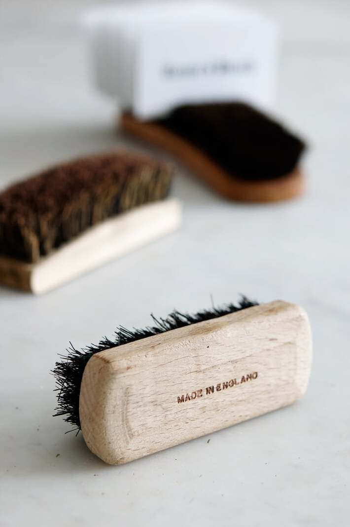 brush-cardholder-2