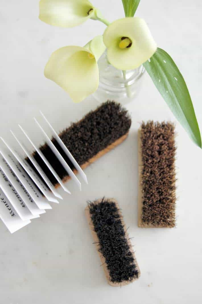 brush-cardholder-4