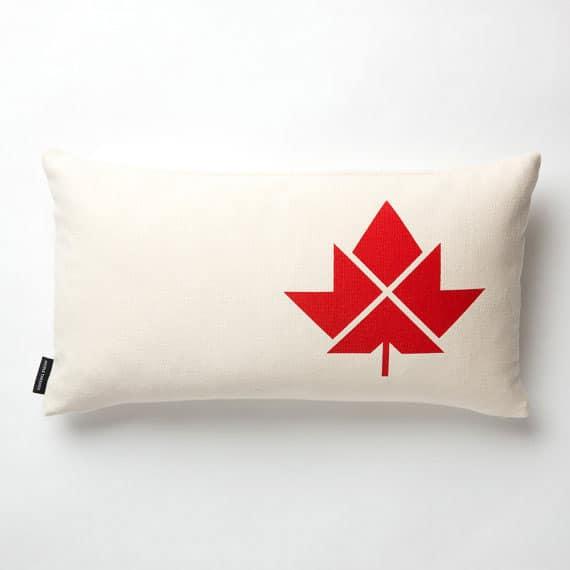 canada-flat-pillow