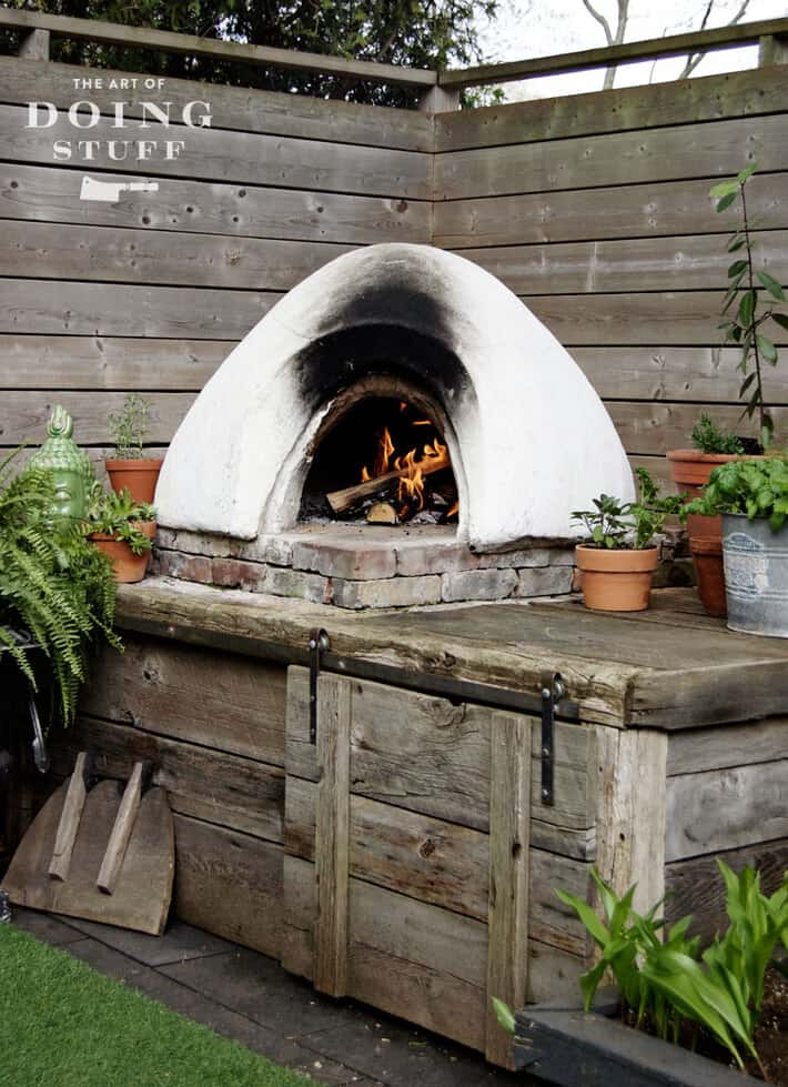 pizza-oven-lit