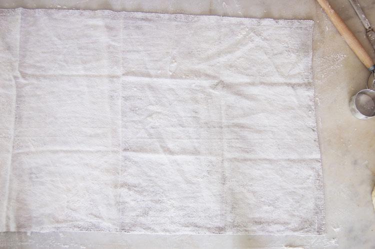 floured-proving-cloth
