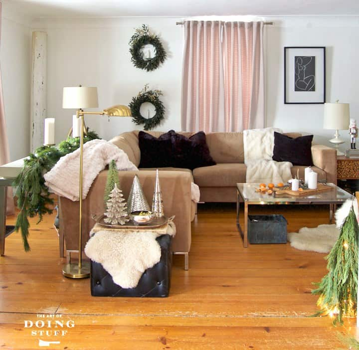 living-room-christmas