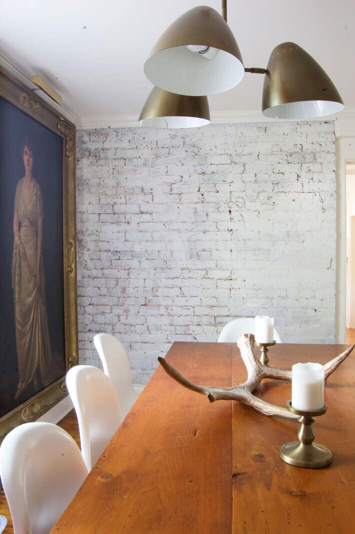 How to antique a brick wall