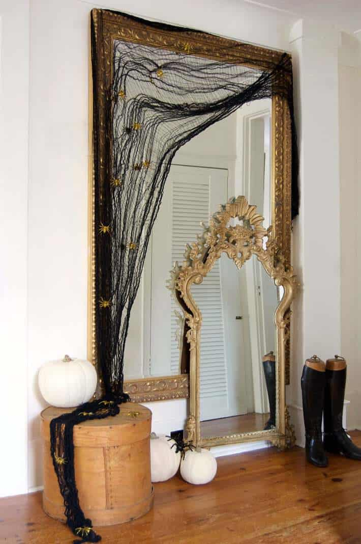 Elegant Halloween decorating
