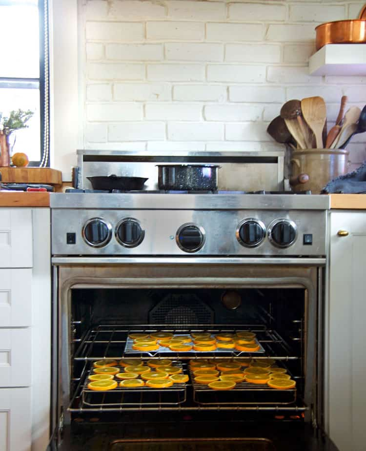 drying orange slices in the oven