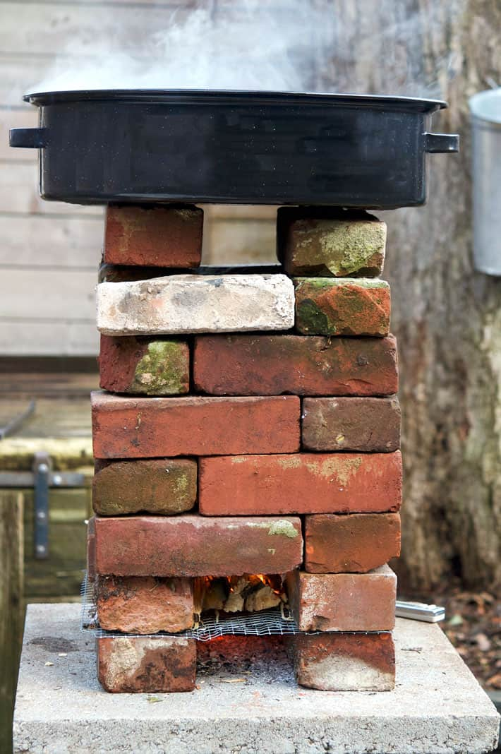 Diy Rocket Stove For Your Outdoor Cooking Needs The Art Of Doing Stuff