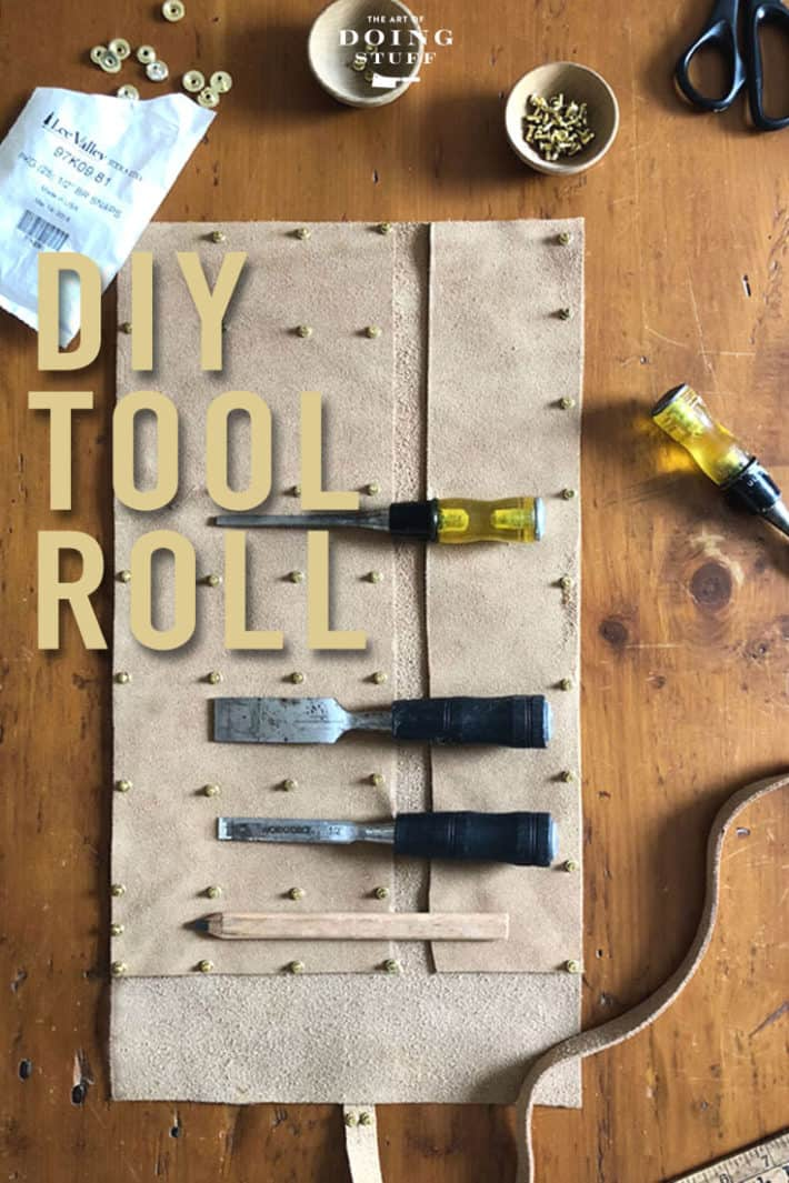 This is a fantastic first leather project for the woodworker, makeup artist or painter in your life. Perfect for chisels, makeup brushes or paint brushes. Learn how!
